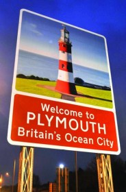 Plymouth-town-sign-board